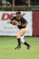 Bradenton Marauders outfielder Josh Bell (17) in the field during a game against the Charlotte Stone Crabs on April 4, 2014 at Charlotte Sports Park in Port Charlotte, Florida.  Bradenton defeated Charlotte 9-1.  (Mike Janes/Four Seam Images)