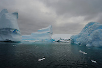 Ghost Galleon - Fantastical ice, Planeau Island