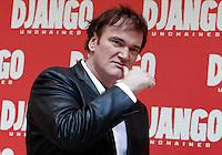 """Il regista statunitense Quentin Tarantino posa durante un photocall per la presentazione del suo nuovo film """"Django Unchained"""" a Roma, 4 gennaio 2013..U.S. director Quentin Tarantino poses during a photocall for the presentation of his new movie """"Django Unchained"""" in Rome, 4 January 2013..UPDATE IMAGES PRESS/Isabella Bonotto"""