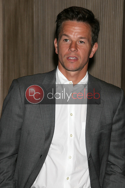 Mark Wahlberg<br />at the Friends of the Los Angles Free Clinic Annual Dinner Gala. Beverly Hilton Hotel, Beverly Hills, CA. 11-20-06<br />Dave Edwards/DailyCeleb.com 818-249-4998