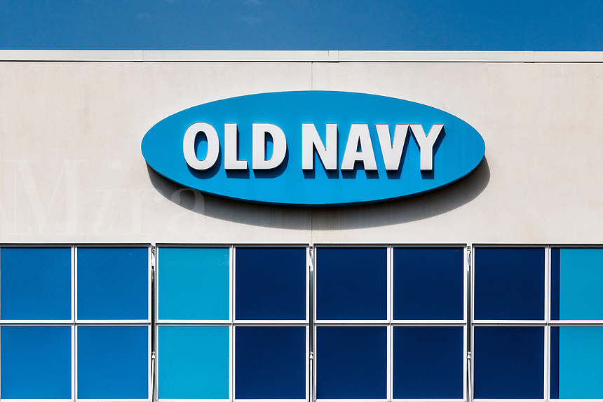 Old Navy store exterior.