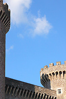 An artistic view of the top of Rocca Pia. This fortification is Tivoli's castle, that dates back to XV century (Tivoli, 2020).