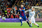 Lionel Andres Messi (L) of FC Barcelona vies for the ball with Mateo Kovacic of Real Madrid during the La Liga 2017-18 match between FC Barcelona and Real Madrid at Camp Nou on May 06 2018 in Barcelona, Spain. Photo by Vicens Gimenez / Power Sport Images