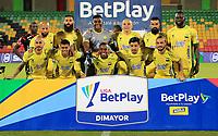 BUCARAMANGA - COLOMBIA, 25-09-2021: Jugadores de Atletico Bucaramanga posan para una foto antes de partido entre Atletico Bucaramanga y America de Cali de la fecha 11 por la Liga BetPlay DIMAYOR II 2021, jugado en el estadio Alfonso Lopez de la ciudad de Bucaramanga. / Players of Atletico Bucaramanga pose for a photo prior a match between Atletico Bucaramanga and America de Cali of the 11th date for the BetPlay DIMAYOR II 2021 League at the Alfonso Lopez stadium in Bucaramanga city. / Photo: VizzorImage / Jaime Moreno / Cont.