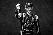 #51: Romain Grosjean, Dale Coyne Racing with RWR Honda, champagne