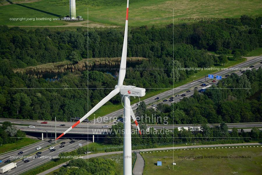 DEUTSCHLAND Hamburg, ehemaliger Muellberg Georgswerder, IBA Projekt regenerativer Energieberg. Windenergie Sonnenenergie und Deponiegase versorgen ueber 2000 Haushalte der Elbinsel mit Strom. Der Energieberg ist auch Aussichtspunkt und oeffentlich zugaenglich , grosse Windturbine REpower 3.4 MW betrieben von Hamburg Energie <br /> /<br /> GERMANY Hamburg , IBA Project Energy Mountain Georgswerder, solar und wind energy on a former garbage dumping site , large wind turbine REpower 3.4 MW wind turbine of company Hamburg energy
