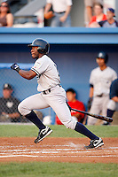August 15, 2009:  Right Fielder Deangelo Mack of the Staten Island Yankees during a game at Dwyer Stadium in Batavia, NY.  Staten Island is the Short-Season Class-A affiliate of the New York Yankees.  Photo By Mike Janes/Four Seam Images