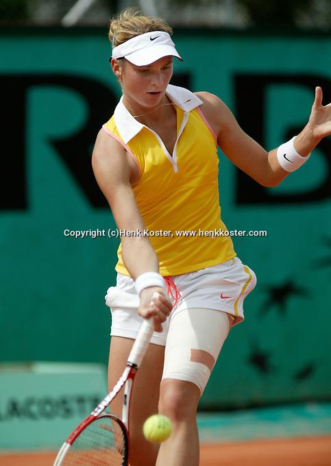 4-6-06,France, Paris, Tennis , Roland Garros, Bibianne Schoofs