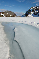 Langvatnet på Seiland er fortsatt islagt midt i juni. ----- Ice on lake in Seiland National park in mid june.