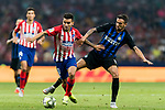 Angel Correa (L) of Atletico de Madrid fights for the ball with Matias Vecino of FC Internazionale during their International Champions Cup Europe 2018 match between Atletico de Madrid and FC Internazionale at Wanda Metropolitano on 11 August 2018, in Madrid, Spain. Photo by Diego Souto / Power Sport Images