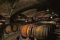 France/Bourgogne/Côte d'Or/21/Meursault: Cave du Château de Meursault - Détail des Barriques [Non destiné à un usage publicitaire - Not intended for an advertising use]