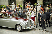 """Spain. Province of Madrid. Madrid. Catholic wedding at the church """" Iglesia Catedral de las Fuerzas Armadas de Espana"""". A Rolls Royce is parked outside and waits for the bride and groom. © 2007  Didier Ruef"""