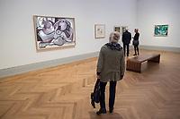 """Die Ausstellung """"Picasso. Das spaete Werk"""" wird vom 9. Maerz bis 16. Juni 2019 im Potsdamer Museum Barberini gezeigt.  Alle Leihgaben, Gemaelde, Keramiken, Skulpturen und Graphiken von Pablo Picasso (1881–1973), stammen aus der Sammlung Jacqueline Picasso (1927–1986).<br /> In der von Gastkurator Bernardo Laniado-Romero getroffenen Auswahl befinden sich zahlreiche Werke, die erstmalig in Deutschland gezeigt werden sowie einige, die zum ersten Mal in einem Museum praesentiert werden.<br /> Im Bild: """"Liegender Akt mit Blumenkrone"""", Oel auf Leinwand, 30. Oktober 1970.<br /> 7.3.2019, Potsdam<br /> Copyright: Christian-Ditsch.de<br /> [Inhaltsveraendernde Manipulation des Fotos nur nach ausdruecklicher Genehmigung des Fotografen. Vereinbarungen ueber Abtretung von Persoenlichkeitsrechten/Model Release der abgebildeten Person/Personen liegen nicht vor. NO MODEL RELEASE! Nur fuer Redaktionelle Zwecke. Don't publish without copyright Christian-Ditsch.de, Veroeffentlichung nur mit Fotografennennung, sowie gegen Honorar, MwSt. und Beleg. Konto: I N G - D i B a, IBAN DE58500105175400192269, BIC INGDDEFFXXX, Kontakt: post@christian-ditsch.de<br /> Bei der Bearbeitung der Dateiinformationen darf die Urheberkennzeichnung in den EXIF- und  IPTC-Daten nicht entfernt werden, diese sind in digitalen Medien nach §95c UrhG rechtlich geschuetzt. Der Urhebervermerk wird gemaess §13 UrhG verlangt.]"""