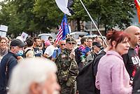 """Am Samstag den 29. August 2020 kamen mehrere tausend  sog. Corona-Querdenker zu einer Demonstration nach Berlin um. An der """"Querdenker-Demonstration beteiligten sich tausende Menschen, darunter Rechte, Rechtsextreme, Hooligans, Esoteriker und Anhaenger der antisemitischen Q-Anon-Sekte (im Bild).<br /> Da die Demonstrationsteilnehmer sich weigerten die vorgeschriebenen Hygieneregeln einzuhalten, lies die Polizei die Demonstration nicht starten und untersagte sie letztendlich.<br /> 29.8.2020, Berlin<br /> Copyright: Christian-Ditsch.de<br /> NUR FUER REDAKTIONELLE ZWECKE! Werbung nur auf Anfrage beim Fotografen. [Inhaltsveraendernde Manipulation des Fotos nur nach ausdruecklicher Genehmigung des Fotografen. Vereinbarungen ueber Abtretung von Persoenlichkeitsrechten/Model Release der abgebildeten Person/Personen liegen nicht vor. NO MODEL RELEASE! Don't publish without copyright Christian-Ditsch.de, Veroeffentlichung nur mit Fotografennennung, sowie gegen Honorar, MwSt. und Beleg. Konto: I N G - D i B a, IBAN DE58500105175400192269, BIC INGDDEFFXXX, Kontakt: post@christian-ditsch.de<br /> Bei der Bearbeitung der Dateiinformationen darf die Urheberkennzeichnung in den EXIF- und  IPTC-Daten nicht entfernt werden, diese sind in digitalen Medien nach §95c UrhG rechtlich geschuetzt. Der Urhebervermerk wird gemaess §13 UrhG verlangt.]"""