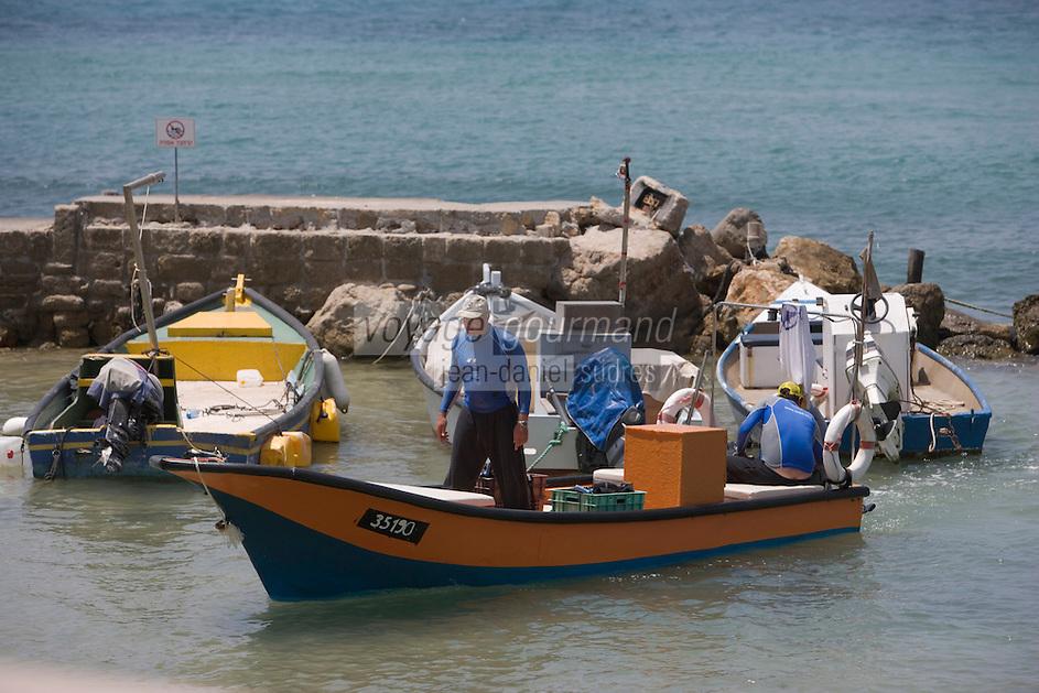 Asie/Israël/Galilée/Césarée: retour des pécheurs au port  //  Asia, Israel, Galilee, Caesarea Maritima: Back from fishing