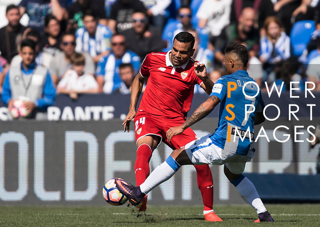 Gabriel Mercado of Sevilla FC battles for the ball with Darwin Machis of Deportivo Leganes in action during their La Liga match between Deportivo Leganes and Sevilla FC at the Butarque Municipal Stadium on 15 October 2016 in Madrid, Spain. Photo by Diego Gonzalez Souto / Power Sport Images