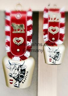 Austria, cowbells for souvenirs   Oesterreich, Tirol, Kuhglocken als Souvenirs