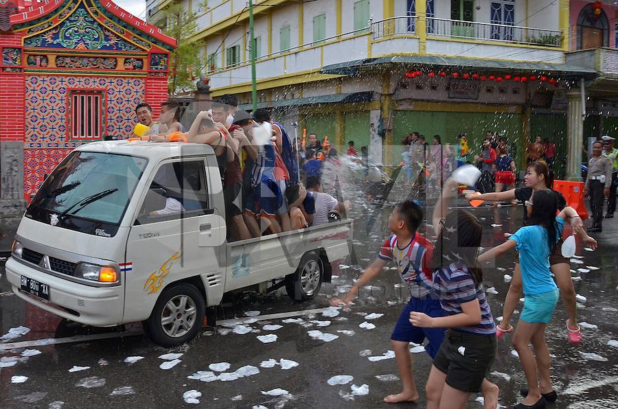 RIAU, INDONÉSIA, 18.02.2016: ANO-CHINÊS - Comunidade chinesa celebra as festividades do Ano Novo Chinês (Ano do Macaco), em Meranti Island, Riau, na Indonésia, nesta quinta-feira (18). (Foto:Afrianto Silalahi/Brazil Photo Press)
