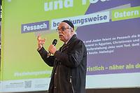 Mit einer Plakat-Kampagne wollen die evangelische und katholische Kirche im Jahr 2021 ein sichtbares Zeichen gegen Antisemitismus setzen. Sie wendet sich insbesondere an die Gemeinden und kirchlichen Einrichtungen. Kernanliegen der Kampagne ist es, die Gemeinsamkeiten zwischen Juden und Christen in den Festen und im religioesen Leben aufzuzeigen, um gegen den zunehmenden Antisemitismus klar Stellung zu beziehen, der auch christliche Wurzeln hat.<br /> Im Bild: Rabbi Dr. Andreas Nachama.<br /> 11.11.2020, Berlin<br /> Copyright: Christian-Ditsch.de