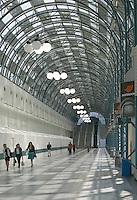 Toronto Skywalk pedestrial walkway linking the Rogers Centre and the Metro Toronto Convention Centre, Toronto, Ontario, Canada