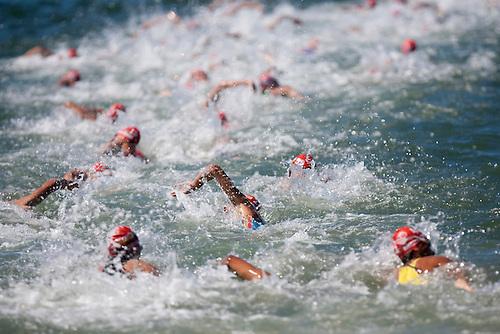 11 SEP 2009 - SOUTHPORT, AUS - ITU World U23 Mens Triathlon Championships (PHOTO (C) NIGEL FARROW)