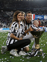Calcio, Serie A: Juventus vs Napoli. Torino, Juventus Stadium, 23 maggio 2015. <br /> Juventus' Stephan Lichsteiner celebrates the victory of the Scudetto at the end of the Italian Serie A football match between Juventus and Napoli at Turin's Juventus Stadium, 23 May 2015.<br /> UPDATE IMAGES PRESS/Isabella Bonotto