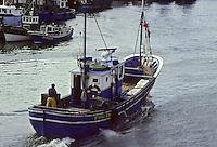 Europe/France/Aquitaine/64/Pyrénées-Atlantiques/Pays Basque/Saint-Jean-de-Luz: Thonier Canneur ligneur rentrant au port<br />  PHOTO D'ARCHIVES // ARCHIVAL IMAGES<br /> FRANCE 1980