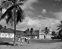 Plaza mit Kirche in Copan, Honduras 1970er Jahre. Plaza with church at Copan, Honduras 1970s.