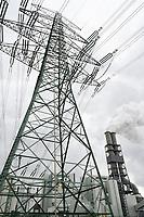 Germany, Hamburg, Vattenfall coal power station Moorburg / DEUTSCHLAND, Hamburg, Vattenfall Kohlekraftwerk Moorburg, zwei Blöcke a 800 MW, in Betriebnahme 2015, läuft seit 2021 nur noch im standby Betrieb bevor es endgültig abgeschaltet wird