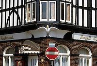 - pub insignia in  Portsmouth town, on the southern coast....- insegna di un pub nella città di  Portsmouth, sulla costa meridionale