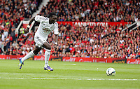 Pictured: Bafetimbi Gomis of Swansea. Saturday 16 August 2014<br />