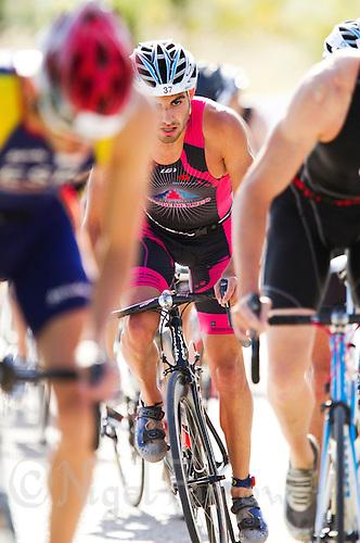 06 JUN 2010 - MADRID, ESP - Oscar Vicente Rodriguez - Spanish Elite Triathlon Championships (PHOTO (C) NIGEL FARROW)
