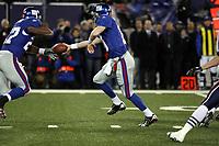 Quarterback Eli Manning (Giants)<br /> New York Giants vs. New England Patriots<br /> *** Local Caption *** Foto ist honorarpflichtig! zzgl. gesetzl. MwSt. Auf Anfrage in hoeherer Qualitaet/Aufloesung. Belegexemplar an: Marc Schueler, Am Ziegelfalltor 4, 64625 Bensheim, Tel. +49 (0) 6251 86 96 134, www.gameday-mediaservices.de. Email: marc.schueler@gameday-mediaservices.de, Bankverbindung: Volksbank Bergstrasse, Kto.: 151297, BLZ: 50960101