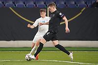 Matthias Ginter (Deutschland Germany) klaert gegen Alsons Sampsted (Island Iceland) - 25.03.2021: WM-Qualifikationsspiel Deutschland gegen Island, Schauinsland Arena Duisburg