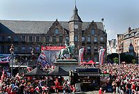 Duesseldorf, Germany, 2. Bundesliga, promotion to 1. Bundesliga of  Fortuna Duesseldorf, team celebrates at Rathausmarkt of Duesseldorf, 14.05.2018<br /> general view, Reiterdenkmal of  Jan Wellem.<br /> *** Local Caption *** © pixathlon<br /> Contact: +49-40-22 63 02 60 , info@pixathlon.de