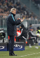 Calcio, Champions League: Gruppo D - Juventus vs Manchester City. Torino, Juventus Stadium, 25 novembre 2015. <br /> Manchester City's coach Manuel Pellegrini gives indications to his players during the Group D Champions League football match between Juventus and Manchester City at Turin's Juventus Stadium, 25 November 2015. <br /> UPDATE IMAGES PRESS/Isabella Bonotto