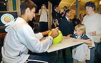 20-2-07,Tennis,Netherlands,Rotterdam,ABNAMROWTT, Autograph session with Djokovic