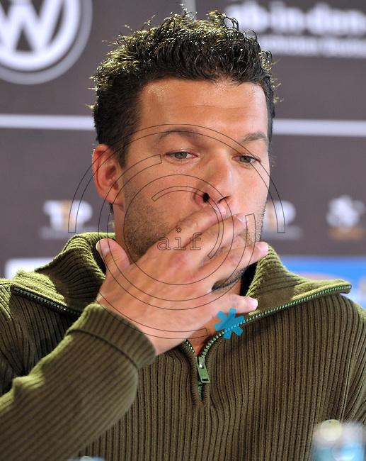 """Michael Ballack bei der Pressekonferenz am 04.06.2013 zum Abschiedsspiel """"Ciao Capitano"""" in der 13. Etage des MDR-Hochhauses in Leipzig. <br /> Foto: Christian Nitsche"""