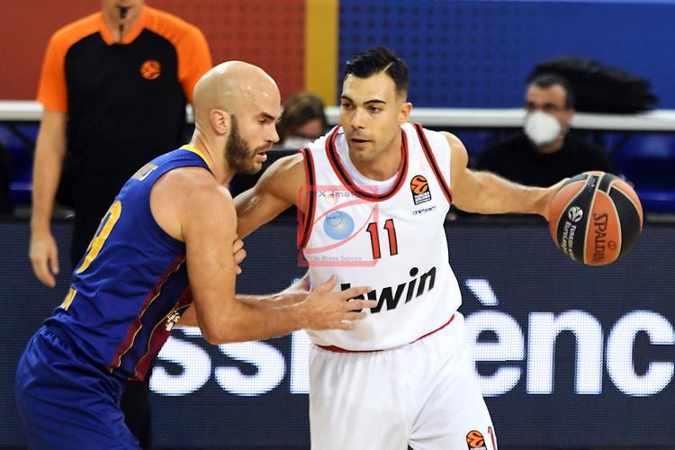 Turkish Airlines Euroleague 2020/2021. <br /> Regular Season-Round 9.<br /> FC Barcelona vs Olympiacos Piraeus: 88-96.<br /> Nick Calathes vs Kostas Sloukas.