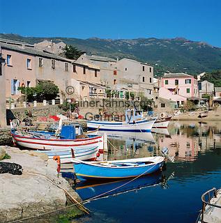 France, Corsica, Centuri Port: town and harbour at Cap Corse Area   Frankreich, Korsika, Centuri Port: Hafen am Cap Corse.