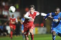 KV Kortrijk - KRC Genk : duel tussen Pablo Chavarria (links) en Derrick Tshimanga.foto VDB / BART VANDENBROUCKE