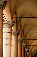 Europe/Italie/Emilie-Romagne/Bologne : Arcades de la via Altabella