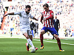 Real Madrid´s Daniel Carvajal and Atletico de Madrid´s Fernando Torres during 2015/16 La Liga match between Real Madrid and Atletico de Madrid at Santiago Bernabeu stadium in Madrid, Spain. February 27, 2016. (ALTERPHOTOS/Javier Comos)