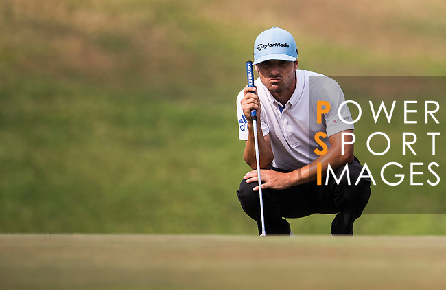 Javi Colomo of Spain in action during the Venetian Macao Open 2016 at the Macau Golf and Country Club on 16 October 2016 in Macau, China. Photo by Marcio Machado / Power Sport Images