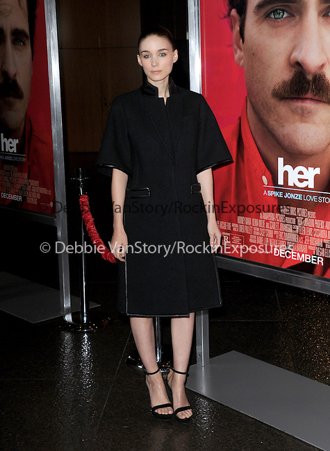 "LOS ANGELES, CA - December 12: Rooney Mara arrives at The Warner Bros' Pictures L.A. Premiere of ""her"" held at The DGA in West Hollywood, California on December 12,2013                                                                               © 2013 Hollywood Press Agency"