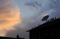- parabolic antennas for the reception of the satellite televisions on the roofs of Milan<br /> <br /> - antenne paraboliche per la ricezione delle televisioni via satellite sui tetti di Milano