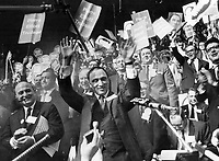 Below (left) cheers Trudeau after first ballot win - and led the campaign at the canadian Liberal Party leadership convention<br /> <br /> Photo : Boris Spremo - Toronto Star archives - AQP