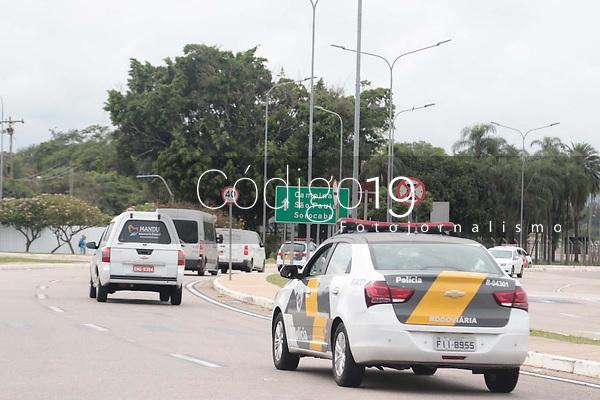 Campinas (SP), 28/11/2019 - GUGU - Comboio para levar o corpo de Gugu para Sao Paulo.. O corpo do apresentador Gugu Liberato, morto na ultima sexta-feira (22) aos 60 anos em Orlando, nos EUA, chegou no Brasil nesta quinta-feira (28) pelo Aeroporto Internacional de Viracopos, em Campinas (SP), e seguiu para o velorio na Assembleia Legislativa de Sao Paulo, na capital paulista. (Foto: Denny Cesare/Codigo 19/Codigo 19)