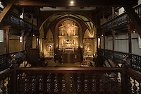Europe/France/Aquitaine/64/Pyrénées-Atlantiques/Ascain: Intérieur de l' église Notre-Dame de l'Assomption avec  ses galeries de bois et son retable du 18 e siècle