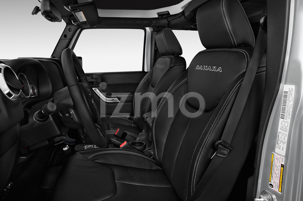 Front seat view of 2017 JEEP Wrangler-Unlimited Sahara 5 Door SUV Front Seat  car photos